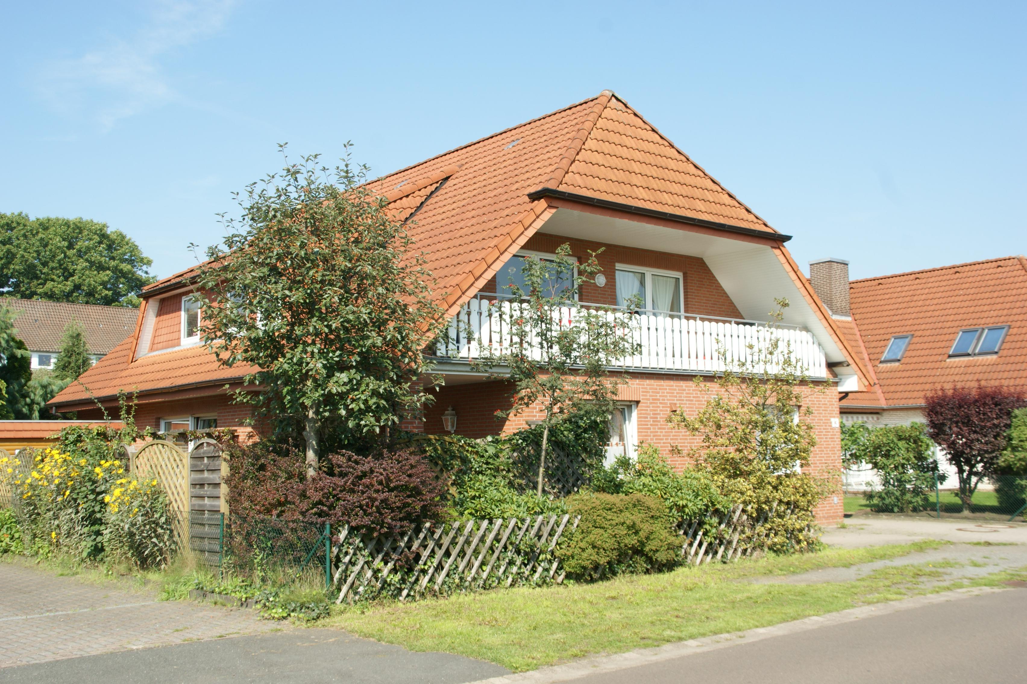 895dcbbfa1c12f Wie würden Sie bei diesem Haus die Wohnfläche berechnen  Für viele  Entscheidungen auf dem Immobilienmarkt ist die richtige Wohnfläche der  Ausgangspunkt.